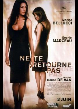 affiche du film NE TE RETOURNE PAS